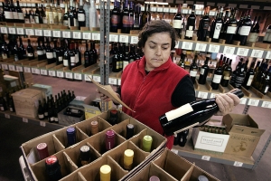 Australia Post promises same-day delivery from 2,500 wineries as Amazon raises the bar