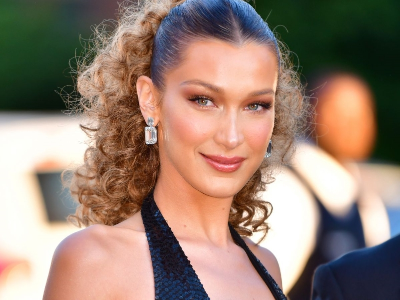 "Bella Hadid Went ""Boho Blonde"" For Summer — & Looks Just Like Her Sister"