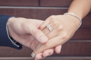 How to buy the perfect engagement ring – 7 things you need to know