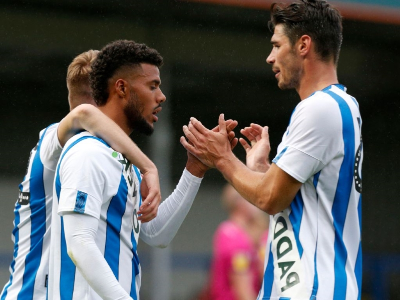 Sport: Huddersfield could face kit punishment - PressFrom - United