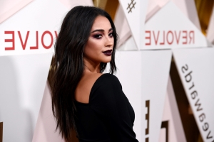Pregnant Shay Mitchell opens up about her past miscarriage: 'You feel broken as a woman'