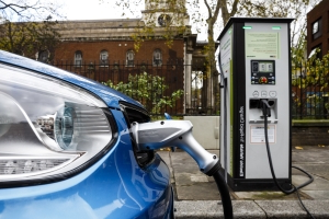Why aren't more people in Britain buying electric cars?