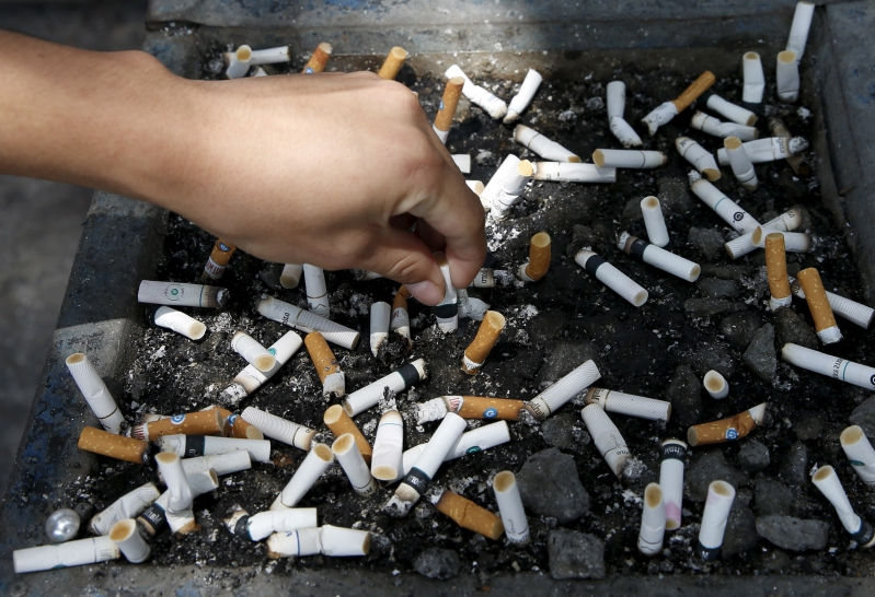 Tech & Science : Smokers have more complications after skin cancer