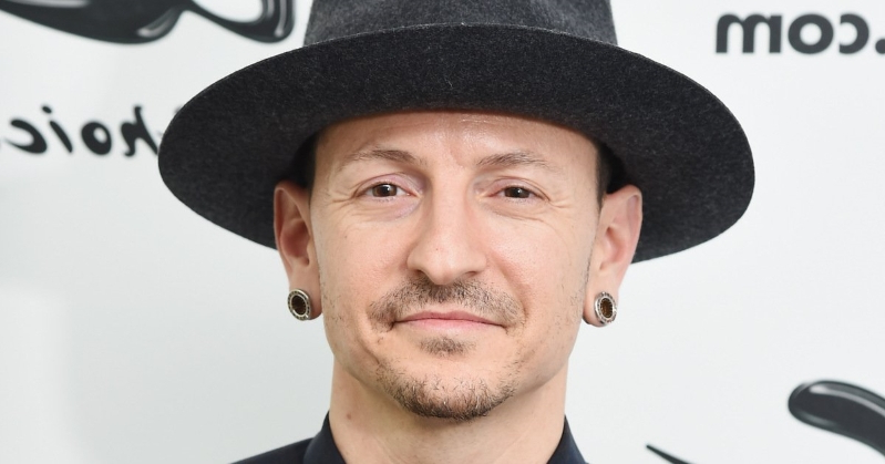 Entertainment: Chester Bennington's Mom Remembers Final Moments with
