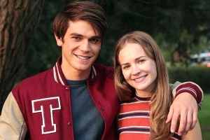 New Couple Alert? KJ Apa and Britt Robertson Spotted Kissing at Comic-Con