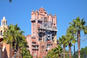 A Disney World tourist didn't have a FastPass to Tower of Terror, so she punched an employee and started pressing buttons