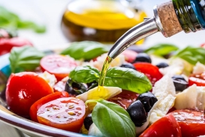 Eating a plant-based diet might help prevent diabetes, study suggests