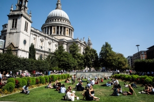 London heatwave: Temperatures set to soar to 35C