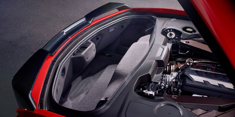 Old Men, Rejoice: The Mid-Engined Corvette Will Have Space for Golf Clubs
