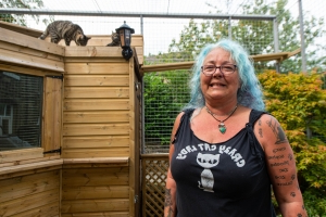 Woman infuriates neighbours by building £10k 'zoo-style' enclosure in garden for her cats