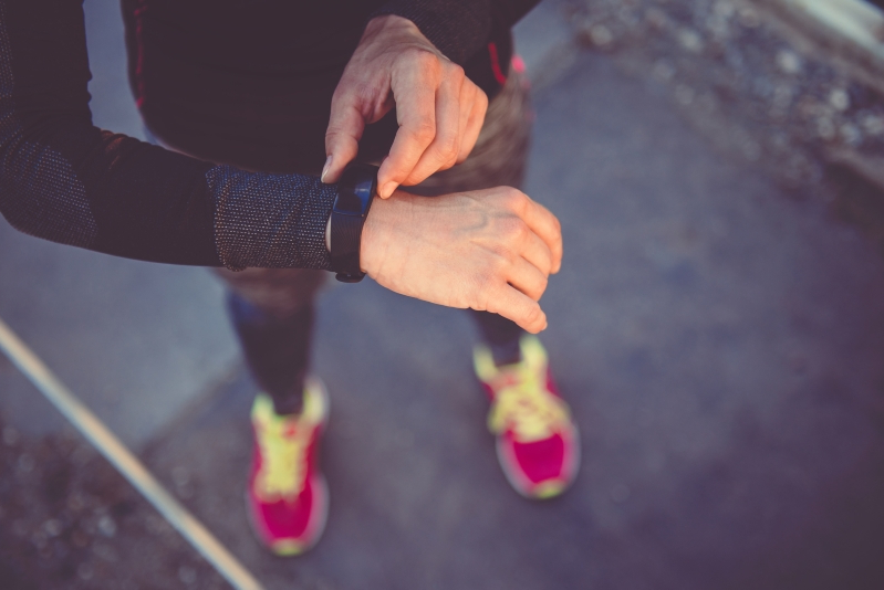 Fitness trackers 'don't lead to major weight loss'