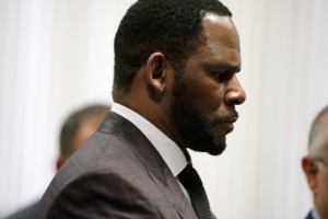 R. Kelly's Attorney Files Motion Asking For Singer To Be Granted Bail