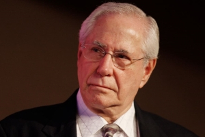 Mike Gravel to Formally Endorse Bernie Sanders' Campaign