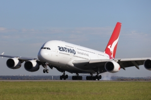 Passengers stranded by cancelled Qantas flights between US and Australia