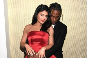 Travis Scott Completely Covers Kylie Jenner's House with Roses as Her Birthday Celebrations Commence