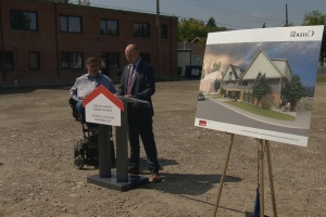Feds announce $28.4M for affordable housing projects in Calgary