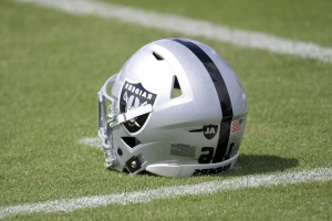 Fight breaks out, punches thrown during Raiders, Rams joint practice