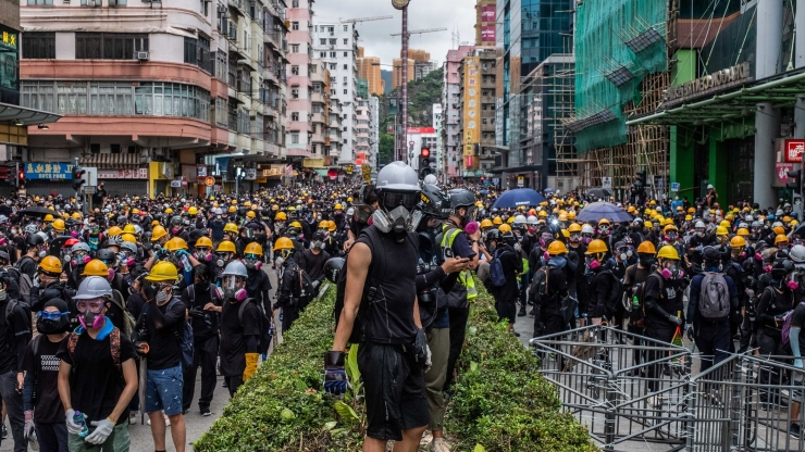 Hong Kong Convulsed by Protest as Police Fire Tear Gas Into Subway