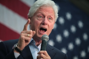 6 Ways Bill Clinton Is Lying About His Assault Weapons 'Ban'
