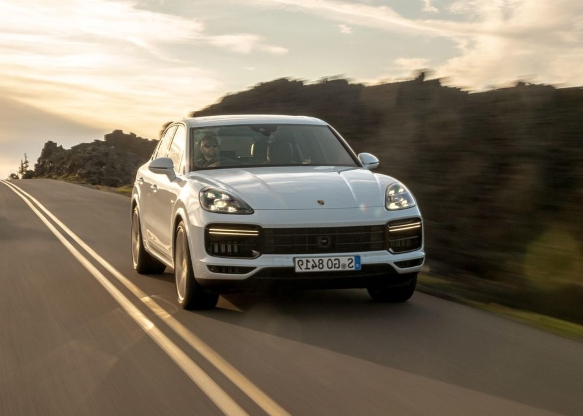 2020 Porsche Cayenne Coupe GT5 Gets Lambo Urus Engine >> News 2020 Porsche Cayenne Turbo S E Hybrid First Drive Sweet