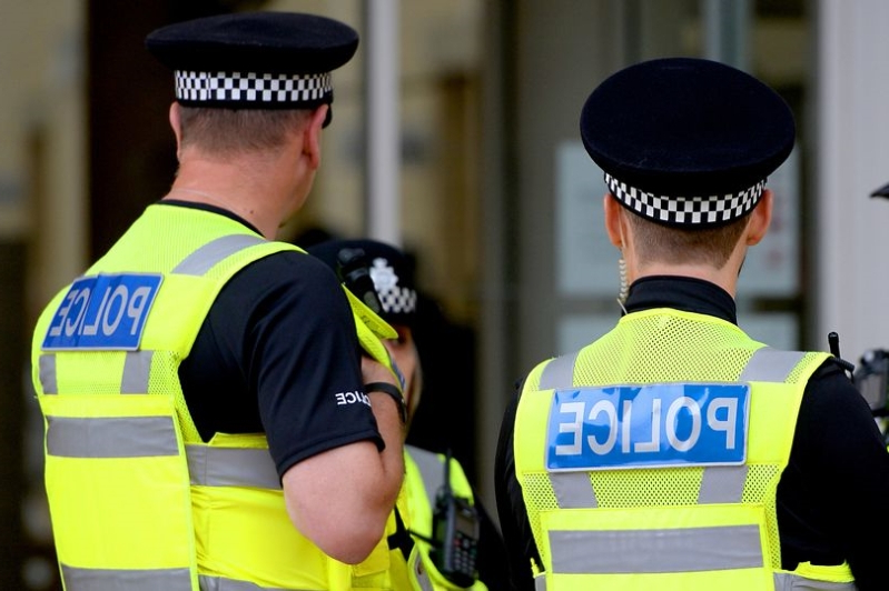 Stop and search: Should government extend police powers?