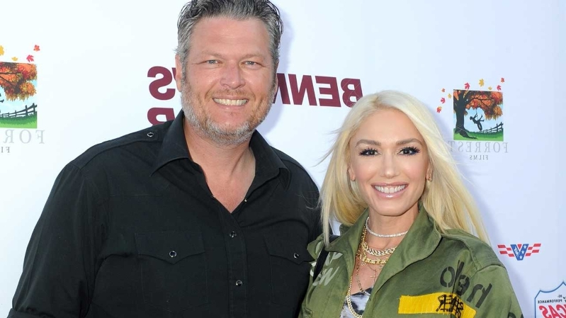Gwen Stefani and Blake Shelton Adorably Couple Up for a Red Carpet Date Night: Pics!