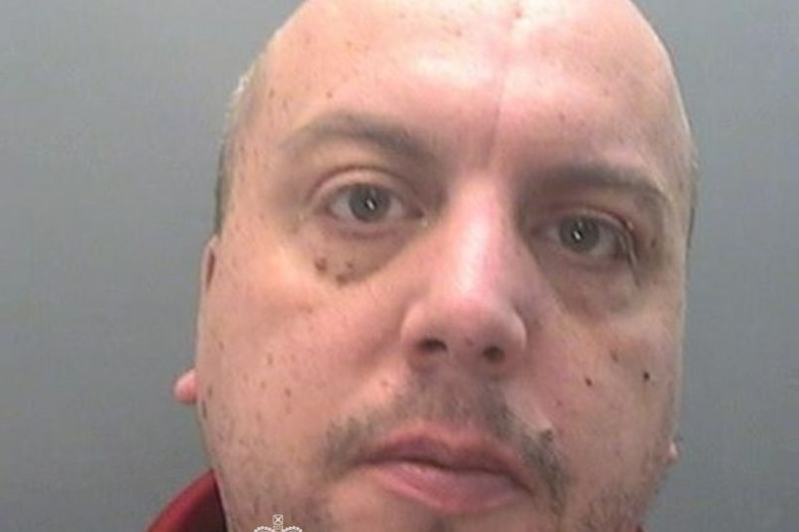 Paedophile dad-of-four caught messaging underage girl when her father saw his obscene notes