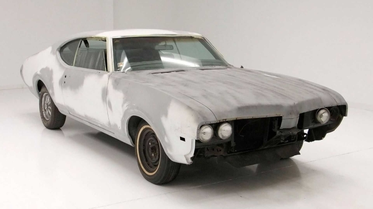 Enthusiasts: 1969 Oldsmobile Cutlass S Is A Great Project