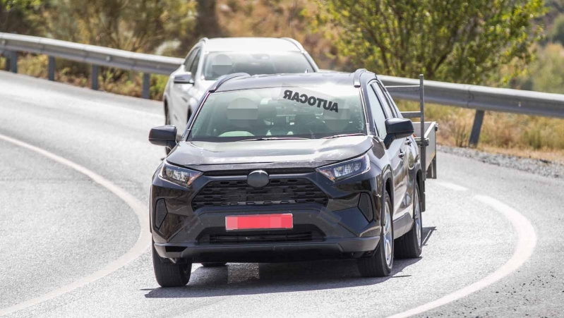 Toyota tests plug-in hybrid RAV4 SUV in new images
