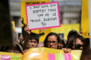 HK activists, Beijing supporters demonstrate in London