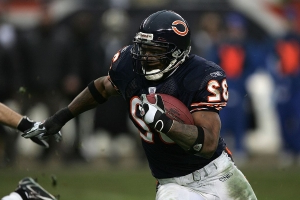 Ex-Bears, Longhorns RB Benson dies in motorcycle accident