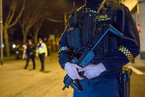 Armed gardaí deployed as gang targets graveyards and tourist spots