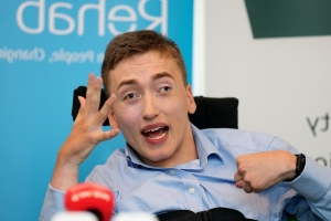 HSE accused of 'robbing Peter to pay Paul' by cutting €31.80 allowance for students with disability