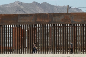 New Mexico company chosen to build border wall part in Texas