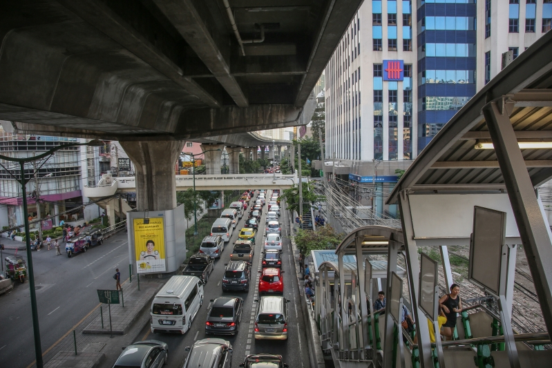 Thailand's Roads Are Deadly. Especially if You're Poor.