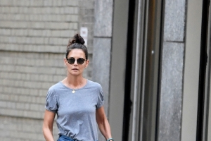 Katie Holmes's Post-Breakup Outfit Is Sending a Subtle (But Important) Message