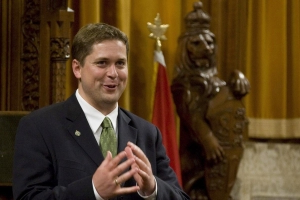 Emma Teitel: Andrew Scheer needs to apologize to Canadians to save his own tail