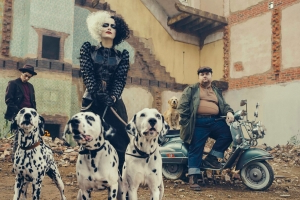 Emma Stone Goes 'Punk Rock' as Cruella de Vil in First Look at Disney's Live-Action Cruella