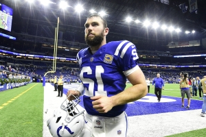 Twitter reacts to stunning report that Andrew Luck is retiring from the NFL