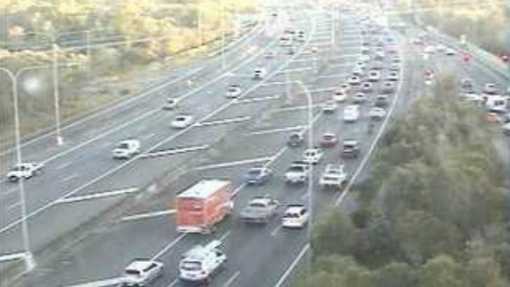 Australia: Heavy congestion clogs Bruce Highway after car