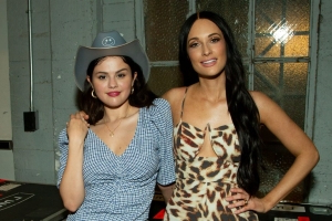 Selena Gomez Enjoys Night Out at Kacey Musgraves Concert: Pics!