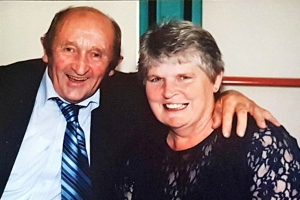 Cork couple married for 32 years pass away from cancer within minutes of each other