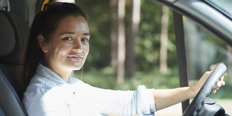 4 ways to stay safe when driving alone