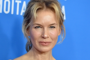 Renee Zellweger scores silver medallion and standing ovation at Judy premiere in Telluride