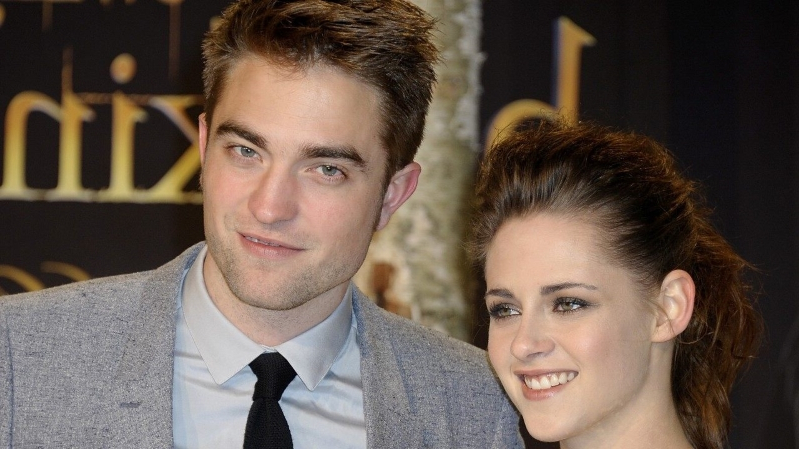 Kristen Stewart Opens Up About Robert Pattinson Romance