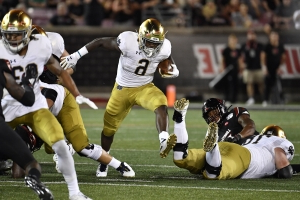 No. 9 Notre Dame pulls away from Louisville 35-17