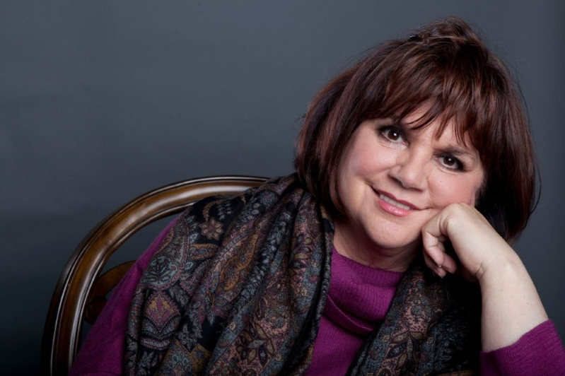 Linda Ronstadt on Life After Parkinson's Stole Her Singing Voice: 'In My Mind, I Can Still Sing'