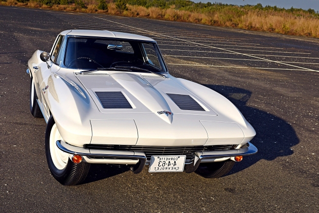 Classics: The Big-Tank 1963 Chevrolet Corvette Z06 Is One of