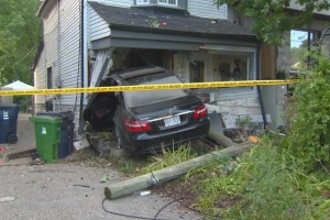 Car crashes into East York house, driver flees the scene: Toronto police