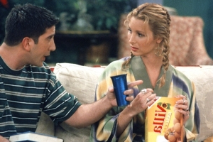 Friends star Lisa Kudrow reveals why she struggled playing Phoebe in season 3 on new episode of Kevin Nealon show